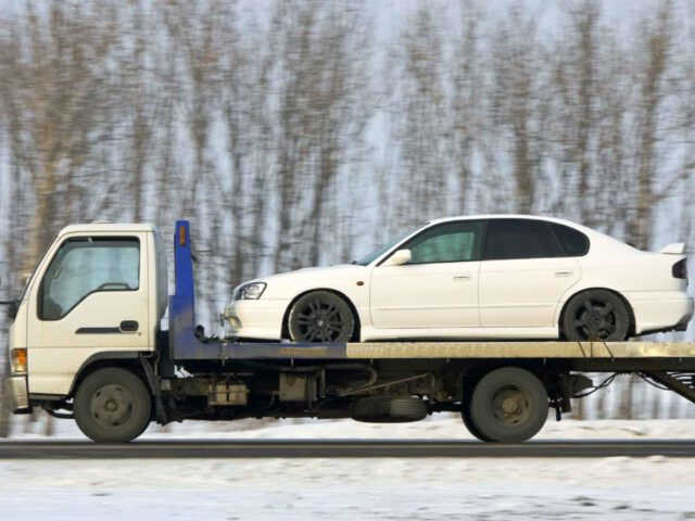 Fayatteville, AR 18-wheeler towing, semi towing, exotic car towing,